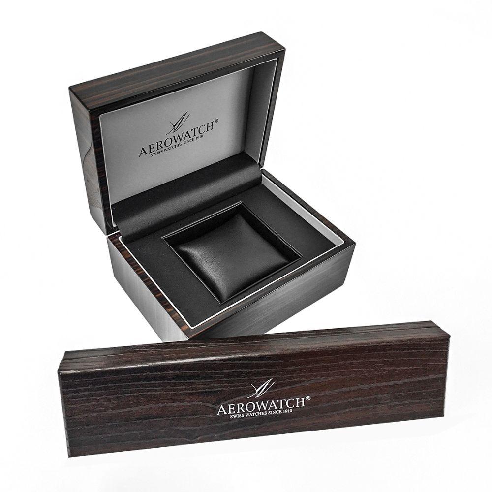 Eleganckie jak i porządnie wykonane opakowanie od zegarka Aerowatch
