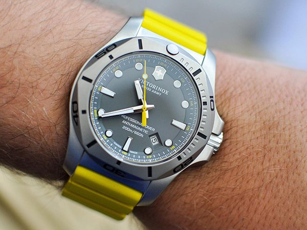 1. Zegarek Victroinox I.N.O.X. Professional Diver