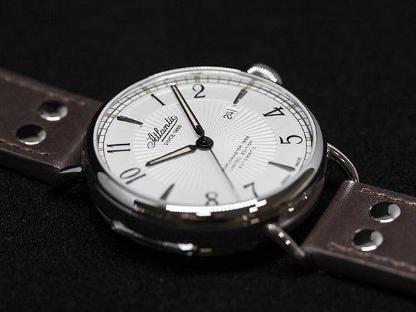 Klasyczny zegarek Atlantic z naciągiem Automatycznym.