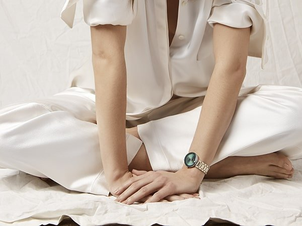 Zegarki Anne Klein jako nienachalny, gustowny sposób na wyróżnienie się z tłumu.