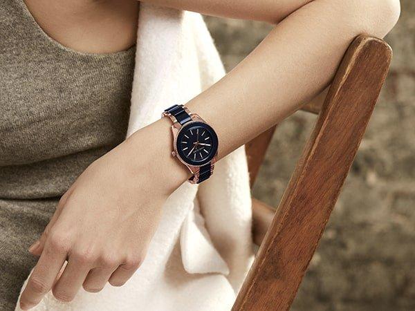 Zegarki biżuteryjne z logo Anne Klein