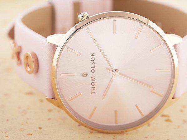 Miniamalistyczny design zegarków Thom OlsonMinimalistyczny design zegarków Thom Olson