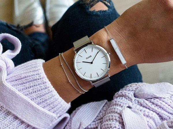 Wybierz prezentowy zegarek na święta dla dziewczyny!