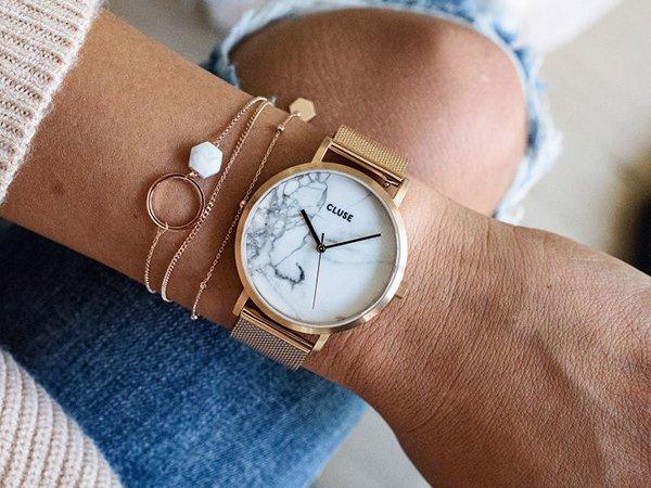 Jaki zegarek damski wybrać? -na bransolecie?