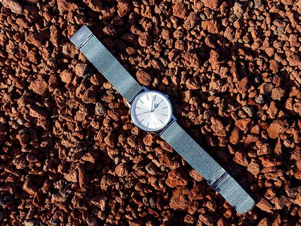 Zegarki Lacoste na bransolecie mediolańskiej