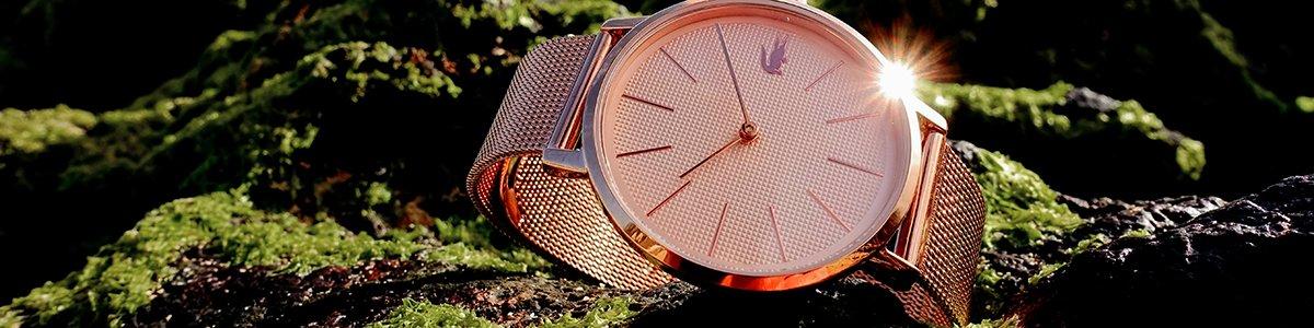 Zegarki Lacoste na bransolecie