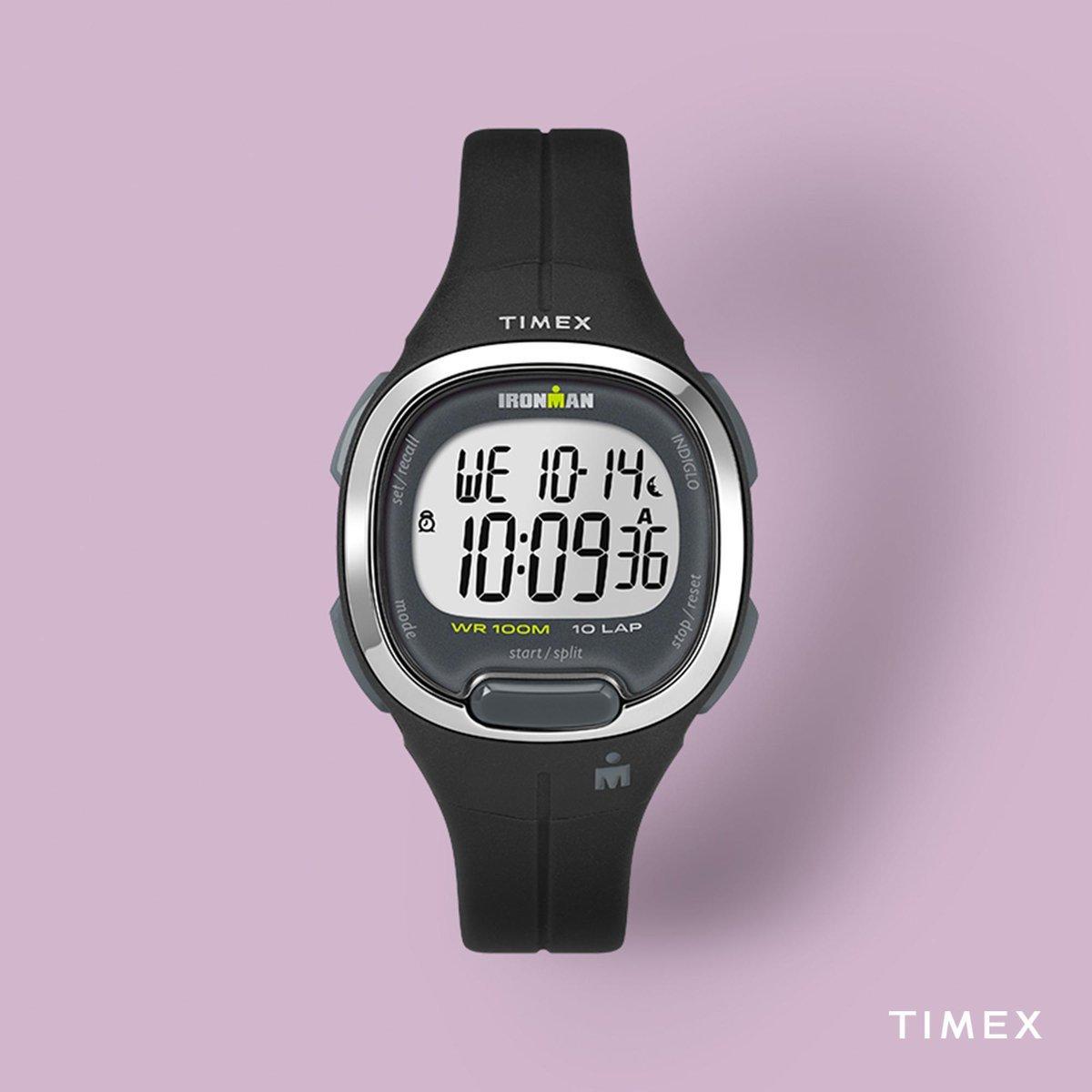 Sportowy zegarek Timex TW5M19600 w czarnym kolorze z srebrnym bezelem.