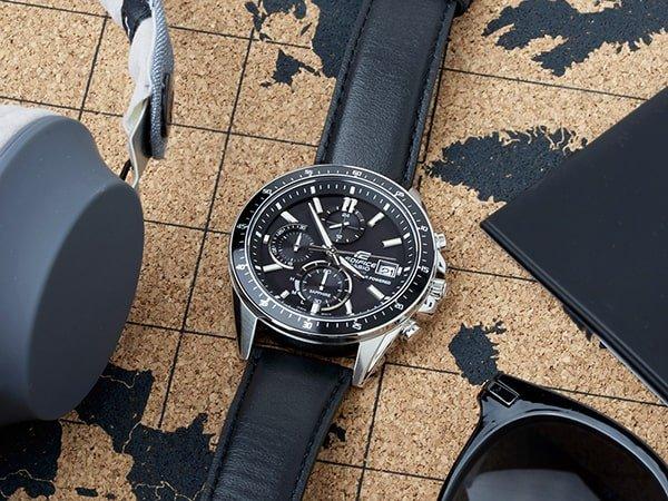 Zegarek Edifice jako oryginalny dodatek.