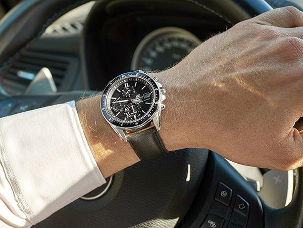 Elegancki zegarek Casio Edifice z mechanizmem solarnym.