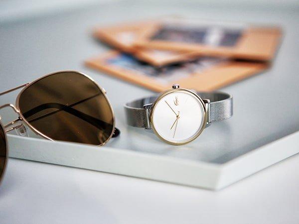 Wzornictwo zegarków damskich Lacoste