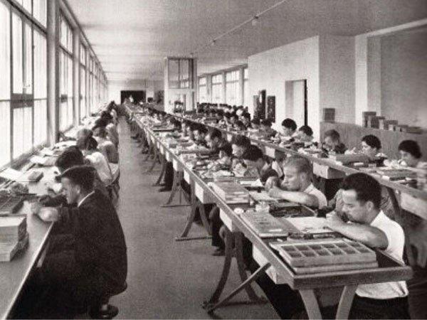 2. Roamer produkował zegarki jako manufaktura.