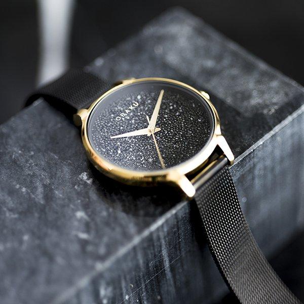 Elegancki zegarek Obaku Denmark z mediolańską bransoletą w czarnym kolorze.