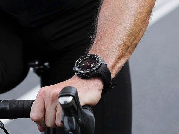 Sportowy zegarek Tissot T-Touch w czarnym kolorze na pasku z tworzywa sztucznego