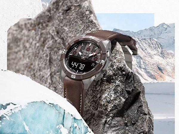 Stylowy zegarek Tissot T-Touch w brazowym kolorze
