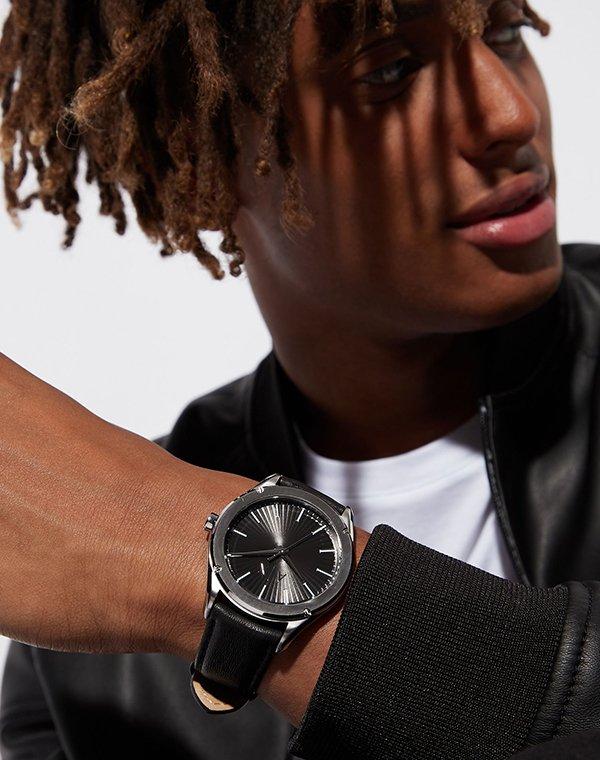 Funkcjonalność w zegarkach Armani Exchange.