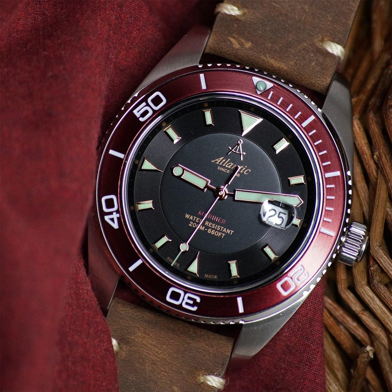 Prestiżowy, męski zegarek Atlantic 80373.41.61R Mariner, który wyposażony jest w użyteczne funkcje takie jak np. datownik.