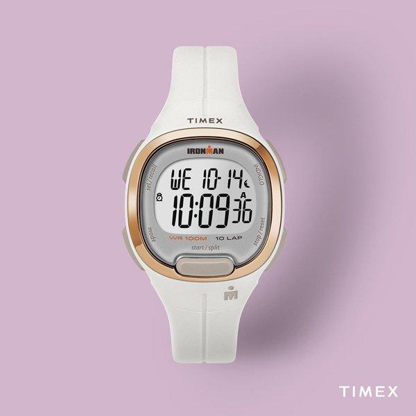 Sportowy zegarek Timex TW5M19900 w białym kolorze z złoto różowym bezelem.