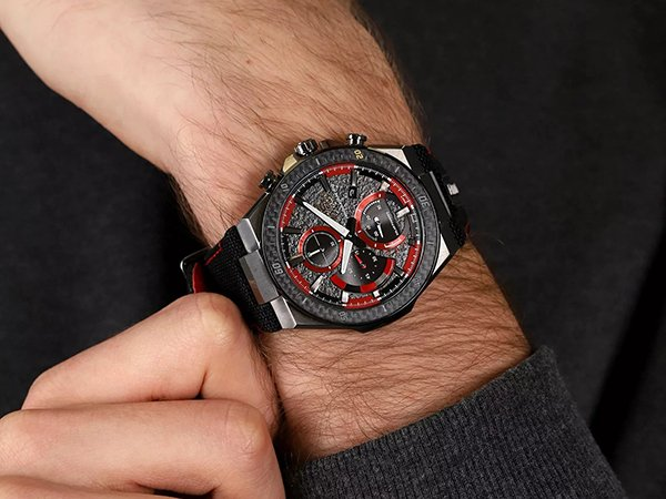 Zegarki Casio Edifice Honda Racing