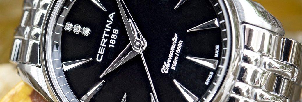 Napis chronometr w zegarku Certina