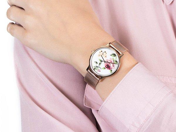 Wyjątkowy zegarek z motywem kwiatowym - Timex Full Bloom