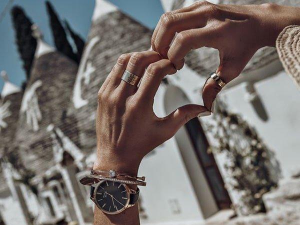 Skórzane paski w zegarkach Pierre Ricaud