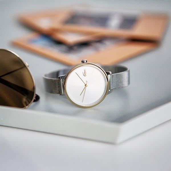 Stylowy zegarek Lacoste na srebrnej bransolecie mesh