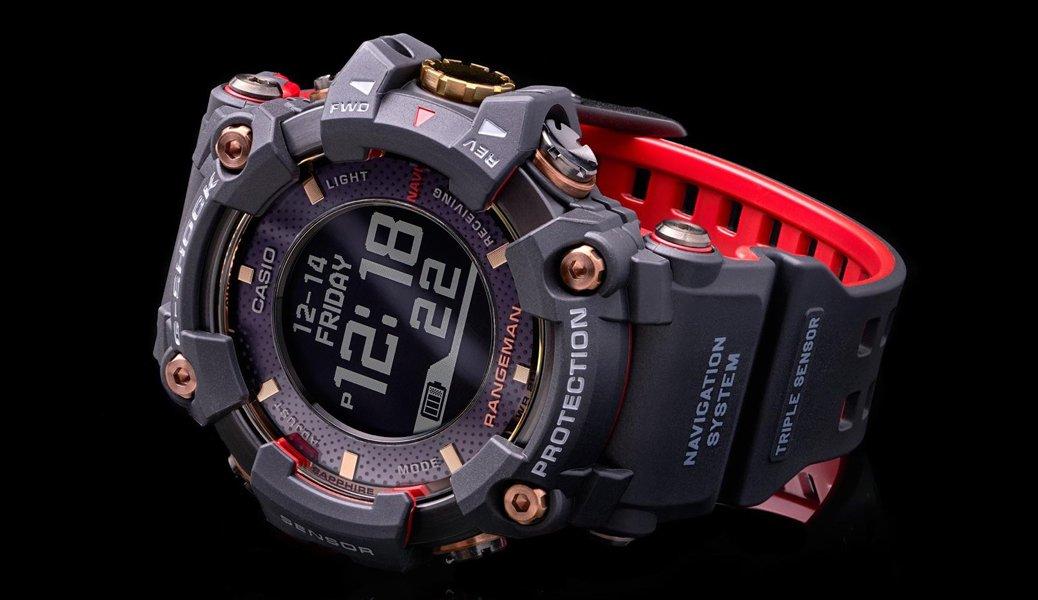 Ekskluzywny, czarny zegarek G-Shock Rangeman GPR-B1000TF-1 z wbudowanym mechanizmem solarnym.