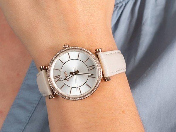 Wyjątkowy i modny zegarek Fossil Carlie