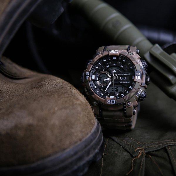 Sportowy, męski zegarek QQ.