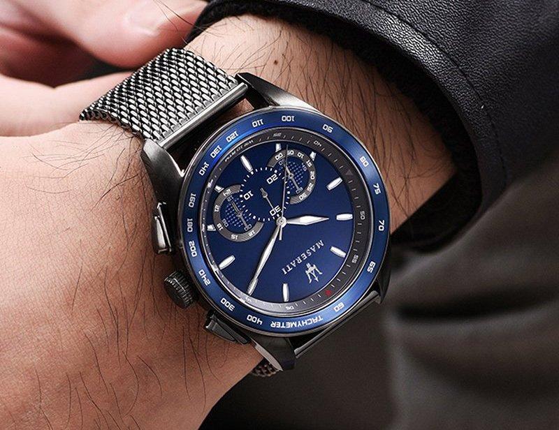 Zestawienie zegarków w kolorze roku 2020 Pantone – Classic Blue