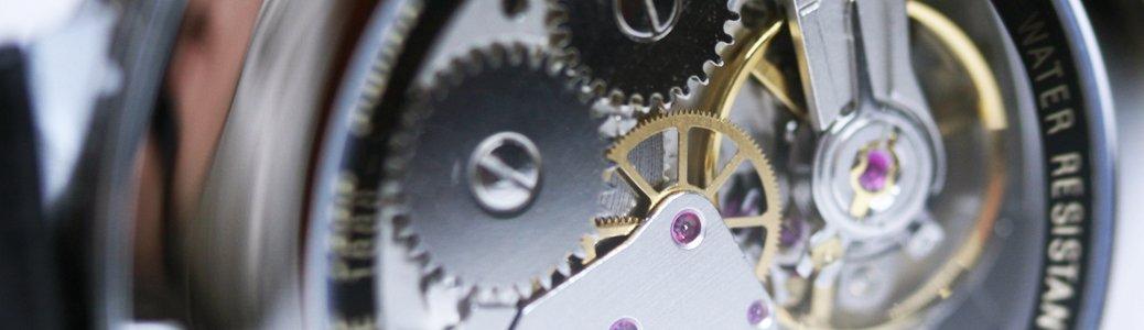 Przykład mechanizmu manualnego inaczej zwanego - nakręcanego.