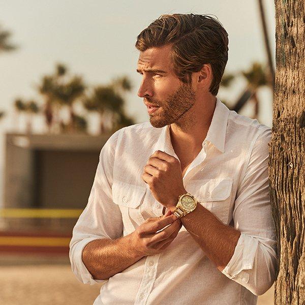 Wyjątkowy egzemplarz męskiego zegarka Guess z bogatym wzornictwem.
