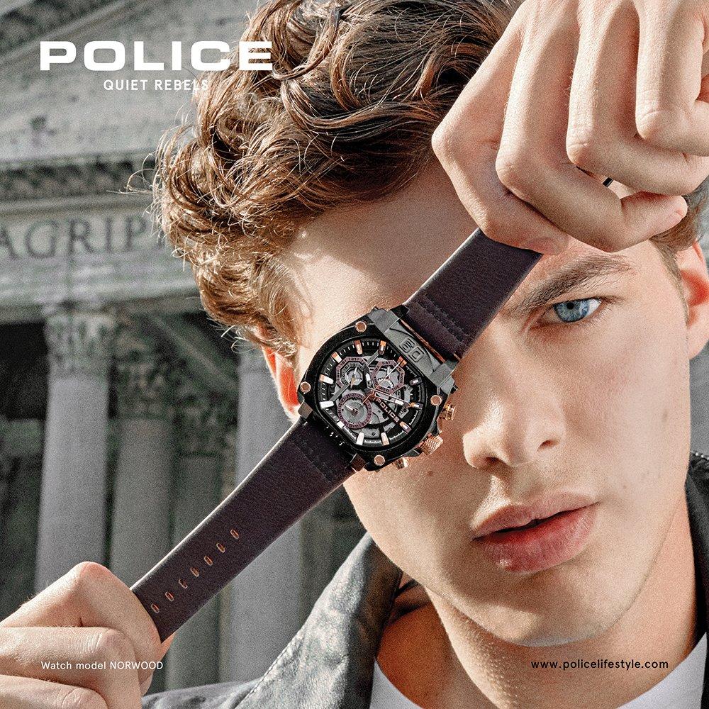 Męski zegarek Police na skórzanym pasku.