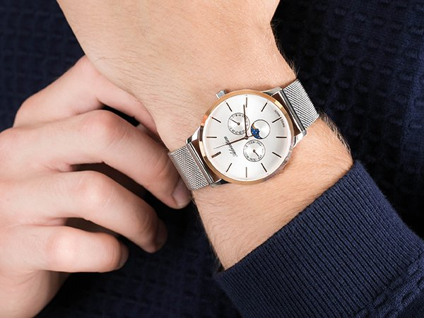 Dlaczego warto postawić na zegarek Adriatica ze wskaźnikiem faz księżyca