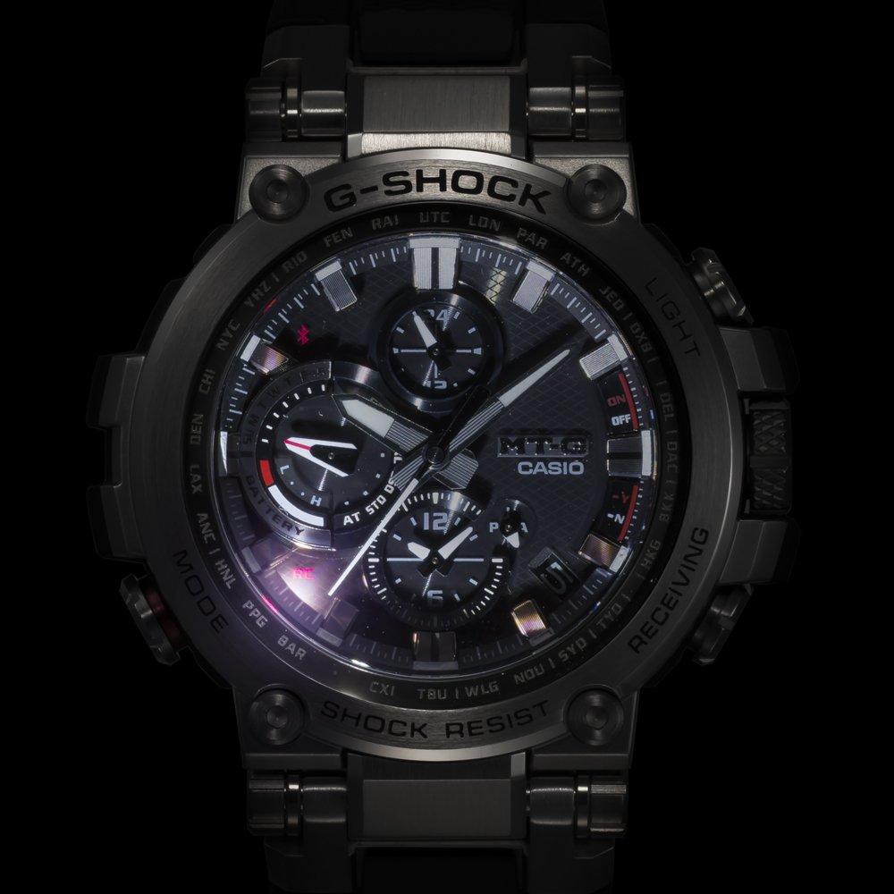 Wielofunkcyjny, męski zegarek G-Shock MT-G MTG-B1000B-1A4ER z mechanizmem solarnym.