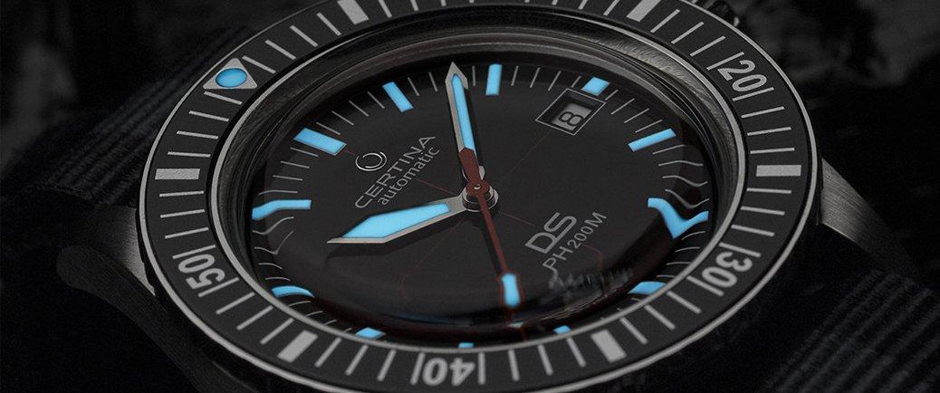 Zegarek Certina C036.407.16.050.00 powłoka neobrite na wskazówkach w ciemności.