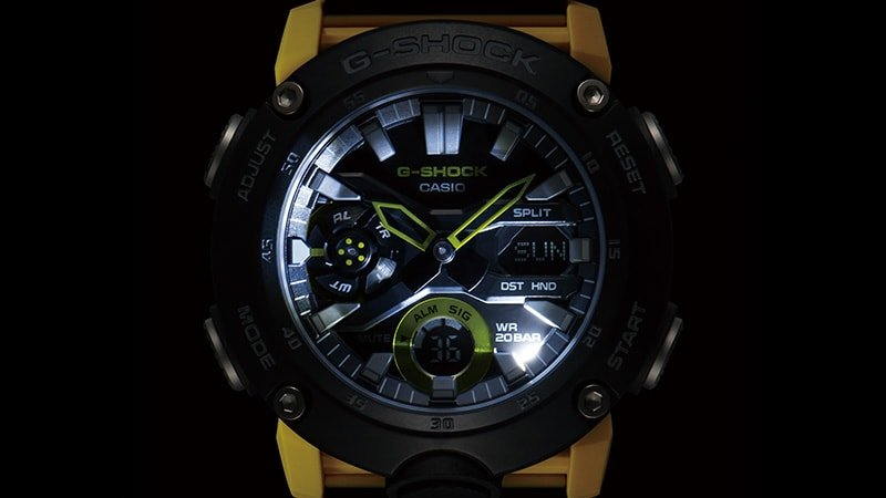 Zegarek G-Shock z LED-owym oświetleniem.