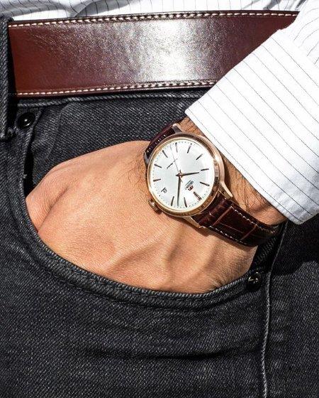 Klasyczny zegarek Orient.