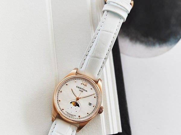 Zegarek Certina na skórzanym białym pasku