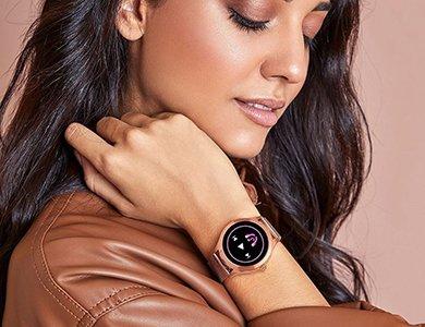 Dobry tani smartwatch damski do 500 zł. Ranking popularnych modeli 2021