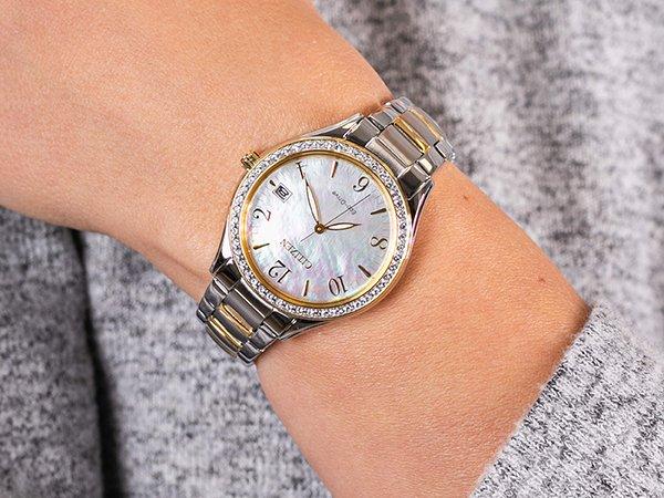 Klasyczny, damski zegarek Citizen na rękę