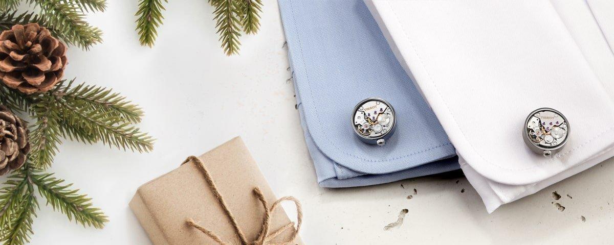 Niepowtarzalne spinki do mankietów marki Tissot pokazujące pracę mechanizmu po nakręceniu.