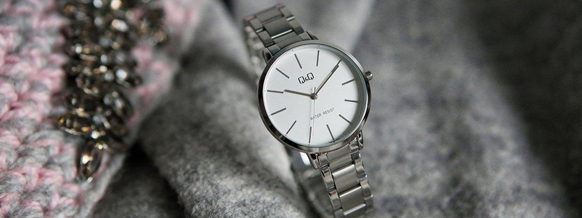 Klasyczny zegarek Sekonda na srebrnej bransolecie