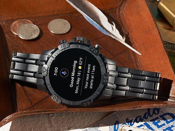 Zegarki Fossil na czarnej bransolecie