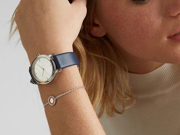 Charakterystyka zegarka Esprit na pasku skórzanym