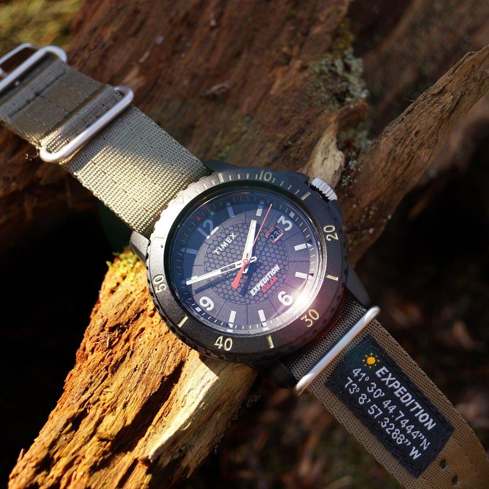Zegarek Timex Expedition z mechanizmem solarnym- idealny do outdoorowych wypraw.