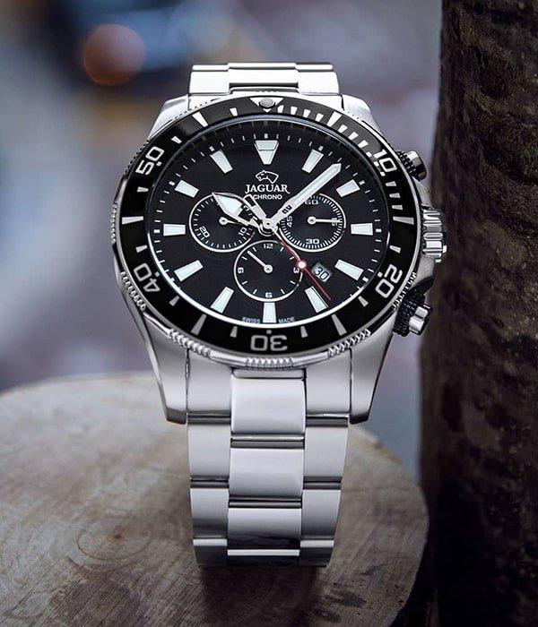 Funkcjonalny zegarek Jaguar