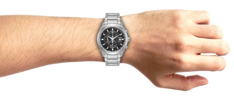 Zegarek Citizen wykonany z materiału hipoalergicznego - z tytanu.