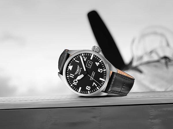 Eleganckie zegarki Aviator z historią w tle