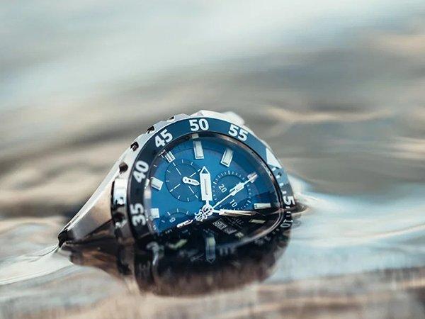 Różne rodzaje zegarków do nurkowania dla każdego